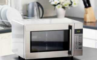 Как быстро почистить микроволновку в домашних условиях