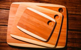 Из чего делают разделочные деревянные доски