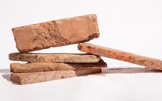 Изготовление и кладка плитки из старого кирпича