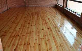 Чем лучше покрыть пол в деревянном доме